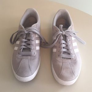 Like new! Adidas gray, white, sueded, sneakers